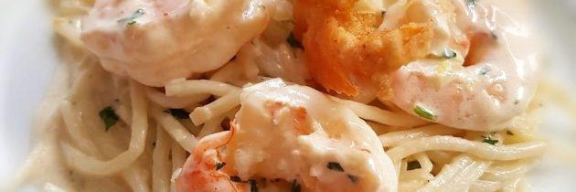Espaguete de pupunha com camarões
